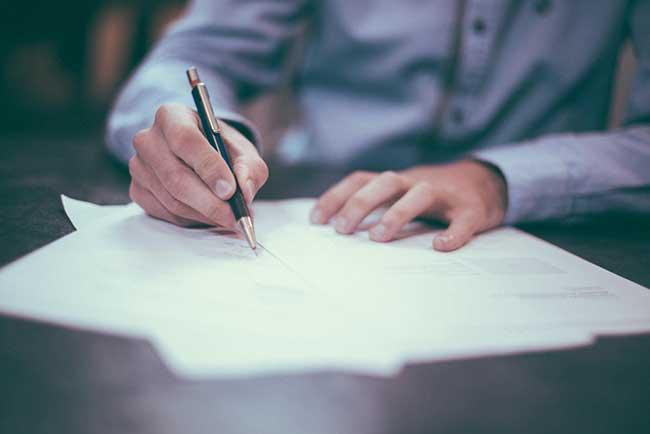 ¿Puede obligarme el banco a contratar un seguro con la hipoteca?