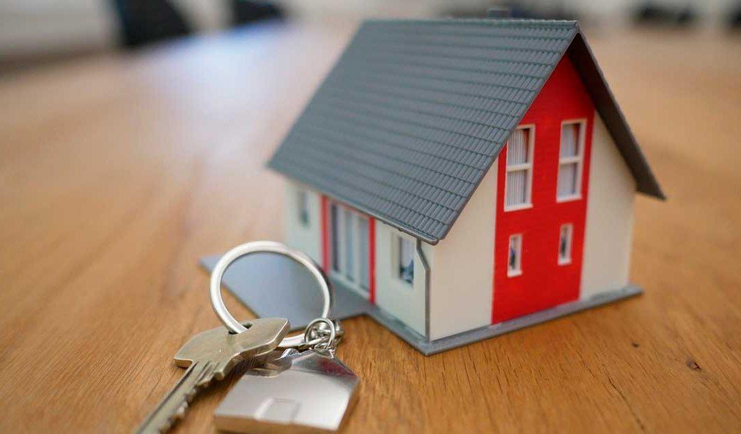 En una vivienda de alquiler ¿quién paga el seguro de hogar?